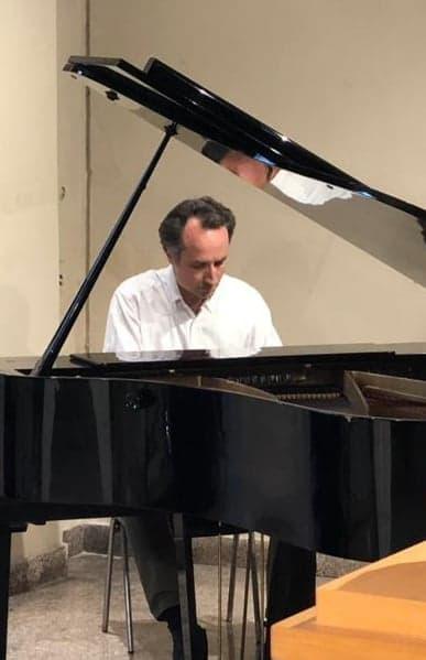 Giovanni on piano